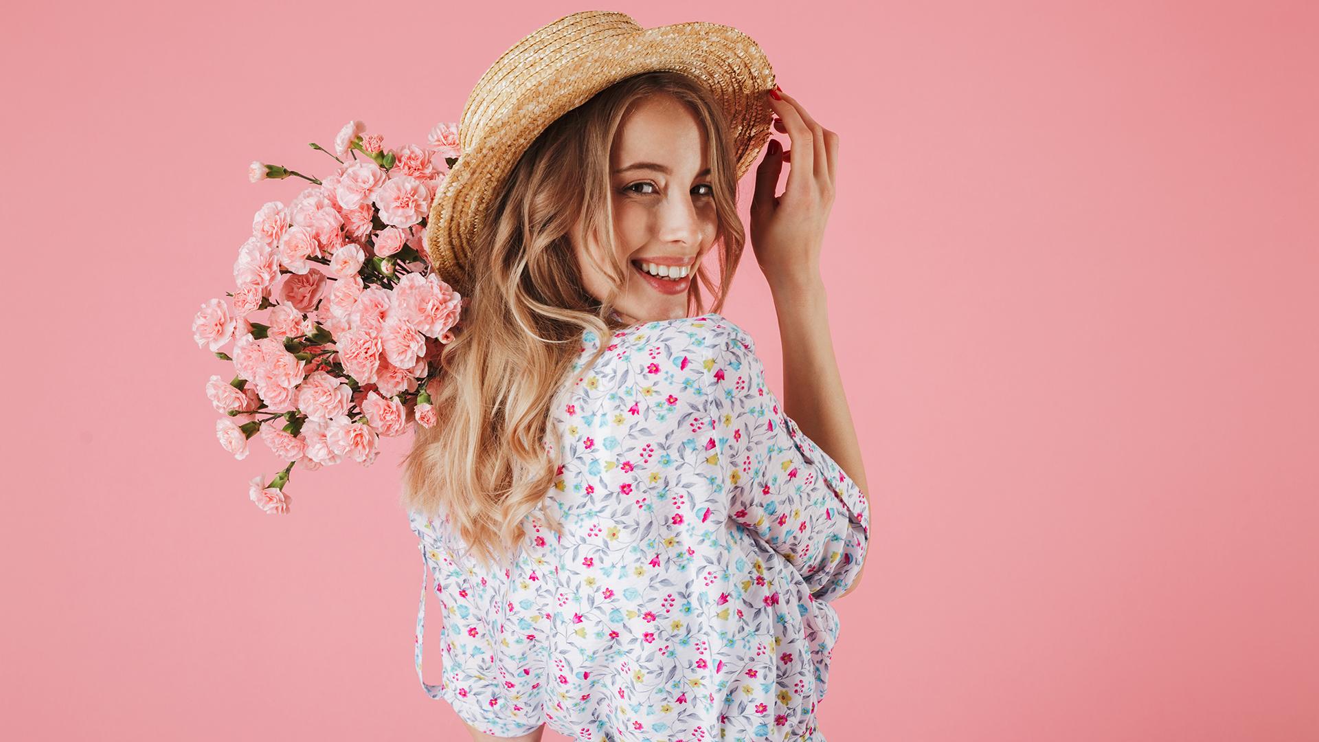 Модные фасоны и материалы платьев на весну 2021 года